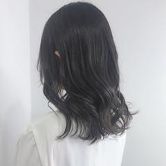 暗髪 透け感ヘア セミロング ナチュラル ヘアスタイルや髪型の写真・画像