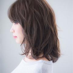 アッシュ 黒髪 前髪あり ミディアム ヘアスタイルや髪型の写真・画像