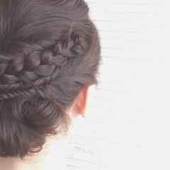 編み込み ヘアアレンジ ミディアム フィッシュボーン ヘアスタイルや髪型の写真・画像