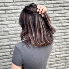 ミディアム アッシュベージュ 外国人風カラー ナチュラル ヘアスタイルや髪型の写真・画像