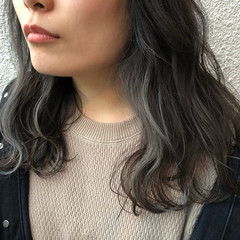セミロング アッシュ ダブルカラー 外国人風カラー ヘアスタイルや髪型の写真・画像