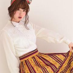 かわいい ヘアアレンジ 大人女子 バンダナ ヘアスタイルや髪型の写真・画像