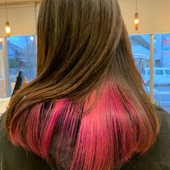 インナーピンク ロング モード インナーカラー ヘアスタイルや髪型の写真・画像