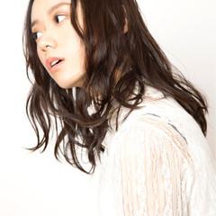 コンサバ 艶髪 ミディアム ゆるふわ ヘアスタイルや髪型の写真・画像
