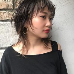 モード ウルフカット グレージュ ミディアム ヘアスタイルや髪型の写真・画像