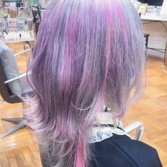 ウルフカット フェミニン ハイトーンカラー ブリーチ ヘアスタイルや髪型の写真・画像