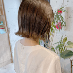 外ハネボブ ナチュラル 切りっぱなしボブ 透明感カラー ヘアスタイルや髪型の写真・画像