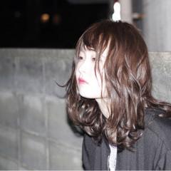 ミディアム ガーリー 外国人風 ストリート ヘアスタイルや髪型の写真・画像
