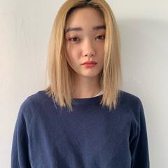ミディアム モテボブ ハイトーン 切りっぱなしボブ ヘアスタイルや髪型の写真・画像