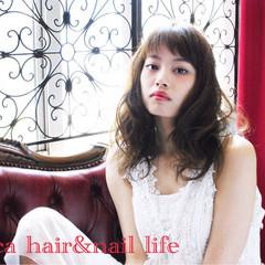 グラデーションカラー ワイドバング 外国人風 ミディアム ヘアスタイルや髪型の写真・画像