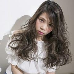 セミロング フェミニン ウェーブ 大人かわいい ヘアスタイルや髪型の写真・画像