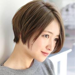 グレージュ 小顔 アッシュ 大人女子 ヘアスタイルや髪型の写真・画像