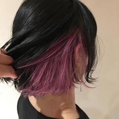 インナーカラーグレー モード インナーカラー インナーカラー赤 ヘアスタイルや髪型の写真・画像