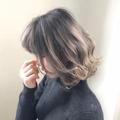 ボブ パーマ ニュアンス アッシュ ヘアスタイルや髪型の写真・画像
