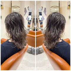 ハイライト エレガント グレージュ バレイヤージュ ヘアスタイルや髪型の写真・画像