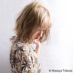 ハイトーン くせ毛風 ストリート グレージュ ヘアスタイルや髪型の写真・画像