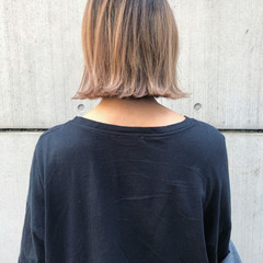 ナチュラル ミニボブ インナーカラー 切りっぱなしボブ ヘアスタイルや髪型の写真・画像