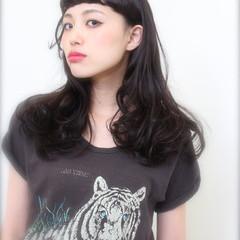 パーマ ストリート 黒髪 ラフ ヘアスタイルや髪型の写真・画像