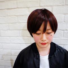 レッド ナチュラル 小顔 似合わせ ヘアスタイルや髪型の写真・画像
