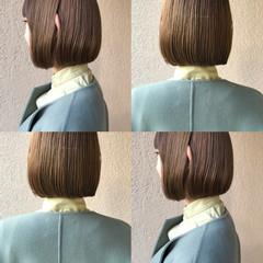 ブラウンベージュ 切りっぱなしボブ ミニボブ ナチュラル ヘアスタイルや髪型の写真・画像