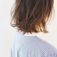 グラデーションカラー パーマ バレイヤージュ ニュアンスパーマ ヘアスタイルや髪型の写真・画像