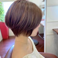大人ハイライト ショートヘア ナチュラル ハイライト ヘアスタイルや髪型の写真・画像