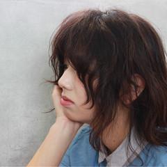パーマ ウェーブ ミディアム レイヤーカット ヘアスタイルや髪型の写真・画像