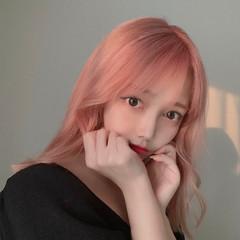 ピンクベージュ ピンク ミディアム ヘアカラー ヘアスタイルや髪型の写真・画像