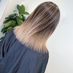 エレガント ハイライト バレイヤージュ アッシュベージュ ヘアスタイルや髪型の写真・画像