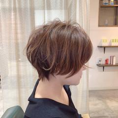 フェミニン インナーカラー ショートヘア ショートボブ ヘアスタイルや髪型の写真・画像