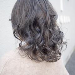 グレージュ ハイライト 外国人風カラー アンニュイほつれヘア ヘアスタイルや髪型の写真・画像