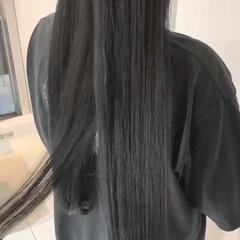 ロング ナチュラル 暗髪 アッシュグレージュ ヘアスタイルや髪型の写真・画像