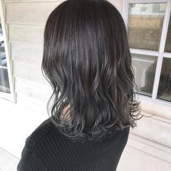 ブルーブラック ナチュラル セミロング ブルージュ ヘアスタイルや髪型の写真・画像