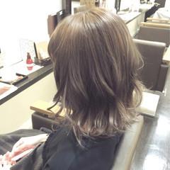 ベージュ ウェットヘア ストリート 外国人風 ヘアスタイルや髪型の写真・画像