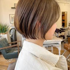 アンニュイほつれヘア 切りっぱなしボブ ミニボブ ショート ヘアスタイルや髪型の写真・画像