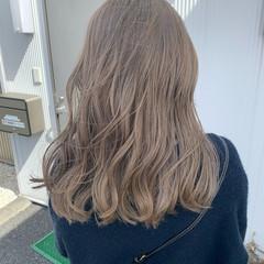 ブリーチカラー ハイトーンカラー ミルクティーベージュ ダブルカラー ヘアスタイルや髪型の写真・画像