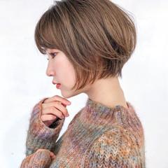 ショートボブ ナチュラル デート ショートヘア ヘアスタイルや髪型の写真・画像