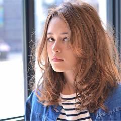 ストレート 外国人風 ストリート ウェーブ ヘアスタイルや髪型の写真・画像