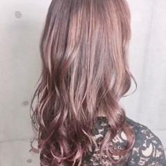 ガーリー セミロング イルミナカラー 透明感カラー ヘアスタイルや髪型の写真・画像