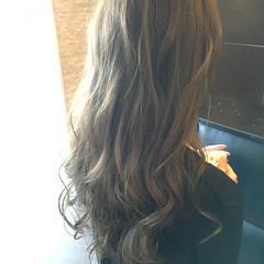 フェミニン ロング イルミナカラー 外国人風 ヘアスタイルや髪型の写真・画像