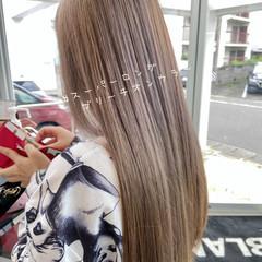 ロング ミルクティーベージュ ブリーチオンカラー ベージュ ヘアスタイルや髪型の写真・画像