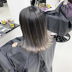 ミディアム ストリート グレージュ グラデーションカラー ヘアスタイルや髪型の写真・画像