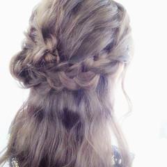 ショート 波ウェーブ 編み込み 簡単ヘアアレンジ ヘアスタイルや髪型の写真・画像