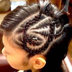 黒髪 謝恩会 編み込み ストリート ヘアスタイルや髪型の写真・画像