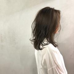 ゆるふわ ウェーブ ナチュラル レッド ヘアスタイルや髪型の写真・画像