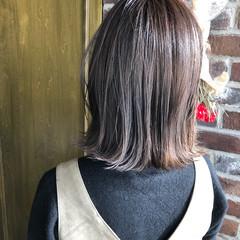 ミディアム ナチュラル 切りっぱなしボブ 外ハネ ヘアスタイルや髪型の写真・画像