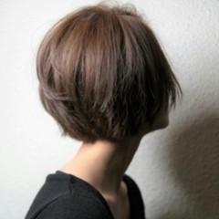 モード 暗髪 アッシュ ショート ヘアスタイルや髪型の写真・画像