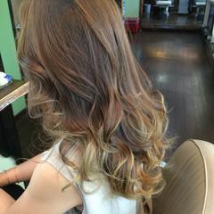グラデーションカラー ロング 渋谷系 コンサバ ヘアスタイルや髪型の写真・画像