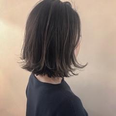 ナチュラル ハイライト 大人かわいい デート ヘアスタイルや髪型の写真・画像