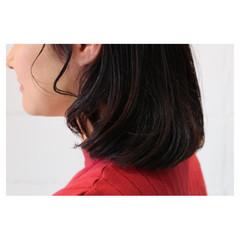 グラデーションカラー アッシュ イルミナカラー くせ毛風 ヘアスタイルや髪型の写真・画像